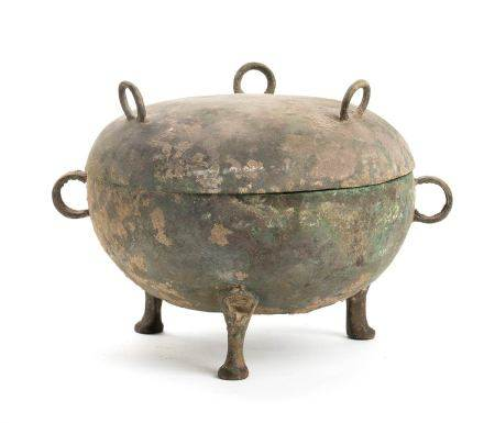 A BRONZE TRIPOD VESSEL AND COVER, DINGChina,