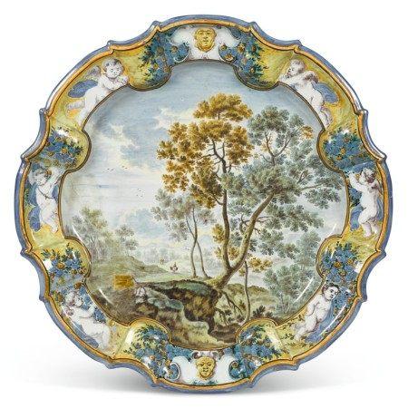 A CASTELLI MAIOLICA LARGE DISH, CIRCA 1720, GRUE FAMILY WORKSHOP