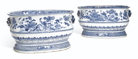 A VERY LARGE PAIR OF BLUE AND WHITE CISTERNS