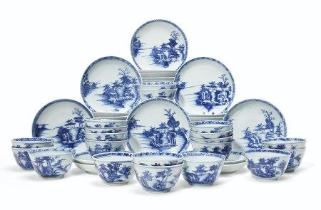 A SET OF 45 'NANKING CARGO' TEABOWLS AND SAUCERS
