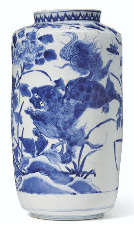 A JAPANESE ARITAWARE BLUE AND WHITE VASE
