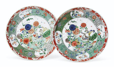 A LARGE PAIR OF FAMILLE VERTE 'PEACOCK' DISHES