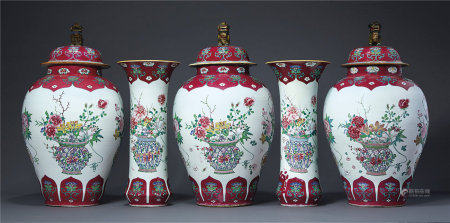 A LARGE RUBY AND FAMILLE ROSE FIVE-PIECE GARNITURE