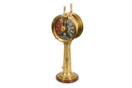 A 20TH CENTURY ENGLISH BRASS SHIP'S TELEGRAPH WITH ENGINE OR