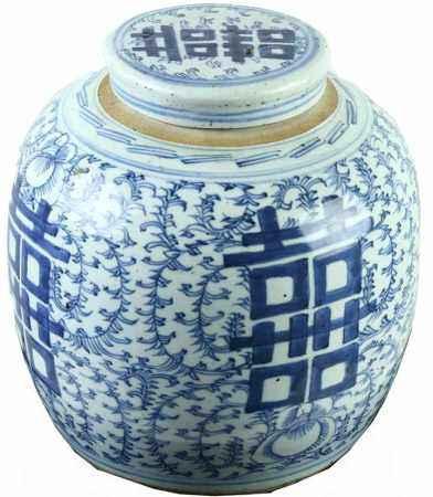 Chinees porseleinen gemberpot met floraal decor en dubbel geluksteken, 19e eeuw - H. 25 cm -