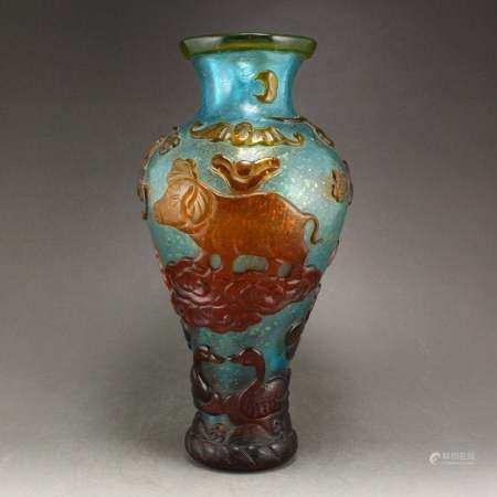 Chinese Peking Glass Pine Tree Ducks & Bat Vase