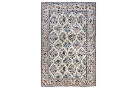 AN EXTREMELY FINE PART SILK NAIN RUG, CENTRAL PERSIA