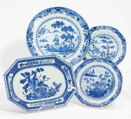 THREE DISHES AND ONE OVAL PLATE EXPORT PORCELAIN.