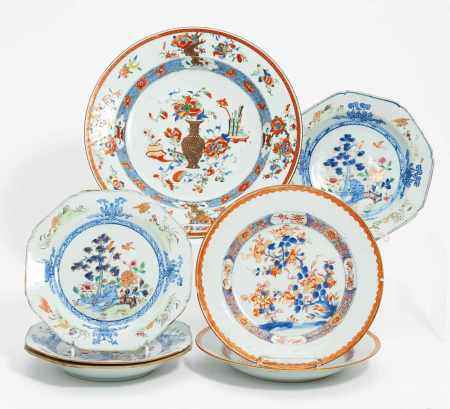 SEVEN EXPORT PORCELAIN DISHES.