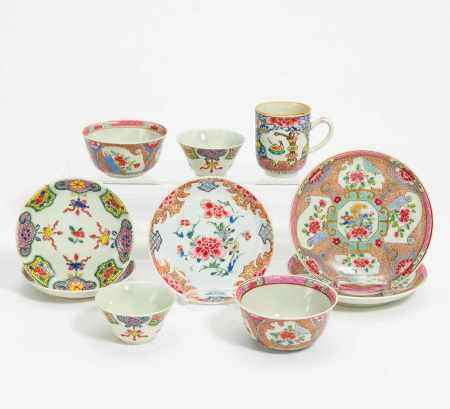 LOT OF FIVE CUPS AND FIVE SAUCERS.