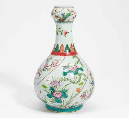 GARLIC-HEAD VASE WITH SONGBIRDS AND FLOWERS OF THE FOUR SEASONS.