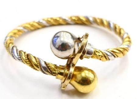 BEAUTIFUL 14KT MIXED GOLD LADIES LOCKING BRACELET