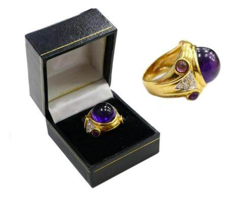 18 KT Y. GOLD AMETHYST CABOCHON AND DIAMOND RING