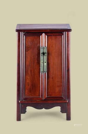 清代(1644-1911) 红木小立柜