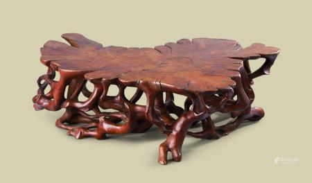 清代(1644-1911) 黄杨木雕随形花台