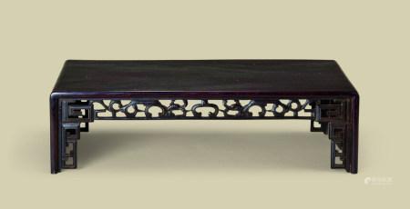 清代(1644-1911) 紫檀镂空雕螭龙纹长方小台