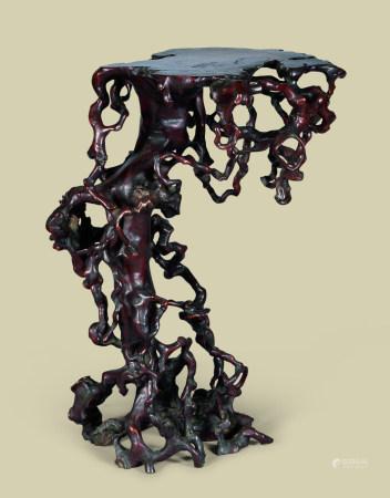 清代(1644-1911) 黄杨木根雕随形大花台