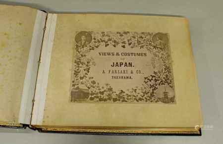 """Adolfo Farsari (1841-1898), """"Views & Costumes of Japan"""", Yokohama, Titelblatt, 36 handkolorierte Fotografie-Abbildungen, schwarzer Lackeinband mit Goldlack-Dekoration, Seidenschuber, leicht stockfleckig, Altersspuren, einige Zwischeneinlagen aus Seidenpapier erhalten"""