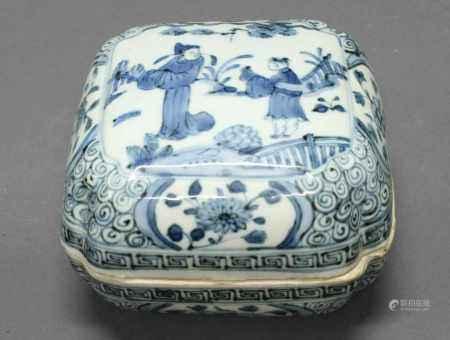 Deckeldose, China, neuzeitlich, Porzellan, Blaumalerei, Figurenstaffage, 8.5 x 14 x 14 cm