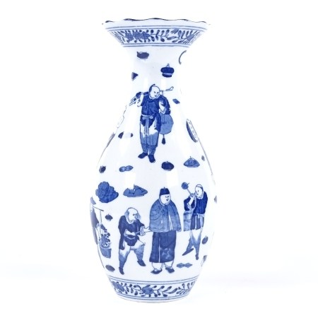 A Chinese blue and white porcelain vase, with flared rim and painted designs of figures, 4 character