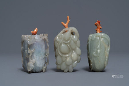 Three Chinese jade snuff bottles with coral stoppers, 19/20th C.