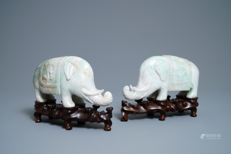 A pair of Chinese jadeite models of elephants, 19/20th C.