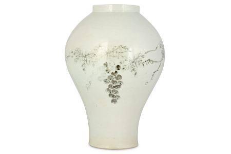 A LARGE KOREAN WHITE GLAZE 'GRAPES' JAR. 49cm H.