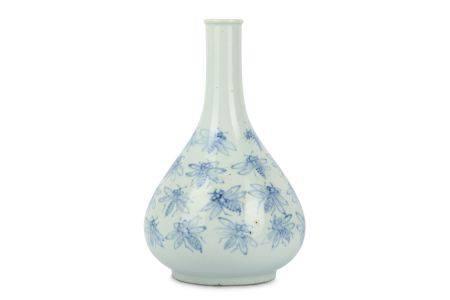 A KOREAN BLUE AND WHITE 'BEES' BOTTLE VASE.