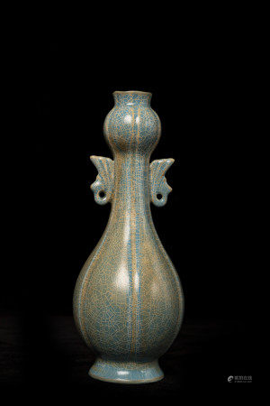 宋代蓝釉双耳瓶