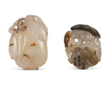 19TH CENTURY  清十九世纪 玛瑙镂雕珮一组两件