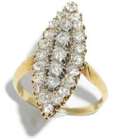 Anillo lanzadera en oro amarillo de 18k con diamantes