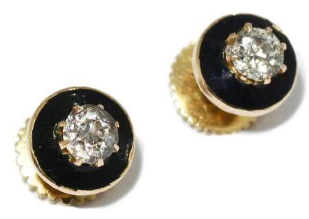 Pendientes en oro amarillo de 18k con esmalte y un diamante.
