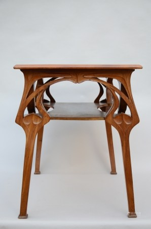 Art nouveau table in mahogany (58x88x78cm)