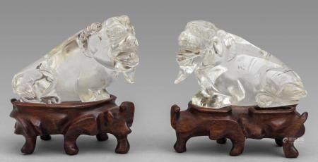 Coppia di animali immaginari in cristallo di