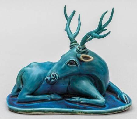 Cervo in porcellana turchese, Cina sec.XIX cm.