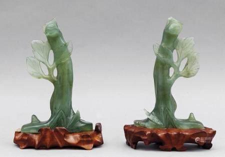 Alberi con foglie, due sculture in saponaria,