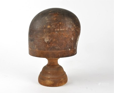 A treen hat block, circa 1900, height when assembled approximately 27cm