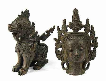 Bodhisattva-Kopf und Fo-Hund,Tibet bzw. China, Bronze, dunkelbraune Patina, Kopf gegossen, H 8,5 cm;