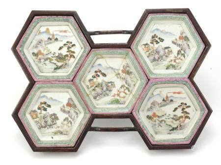 Good set of five Chinese porcelain dishes housed in a hardwood stand, each dish finely hand