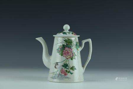 A Famille Rose Flower and Birds Porcelain  Pot with Jiangxizhenpin Mark