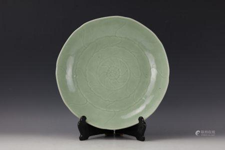 Chinese Celadon Glazed Lobed Charger
