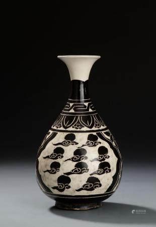 Chi-Chou Carved Sgraffiato Vase