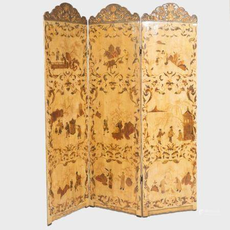 Chinese Export Cream Lacquer and Parcel-Gilt Three Panel Scr