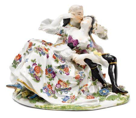A MEISSEN FIGURAL GROUP OF LOVERS