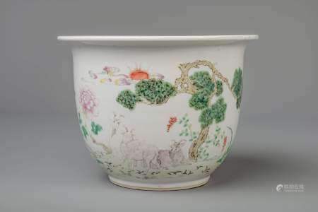A Chinese famille rose jardinière with goats, 19th/20th C.