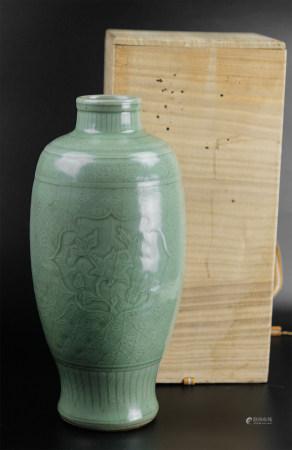 龍泉窯青瓷瓶