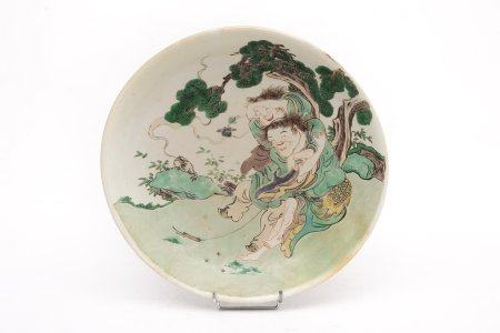 COUPE EN PORCELAINE ORNE DES FRERES HOHO Chine, Dynastie Qing, XIXe siècle, Style Kangxi Circul