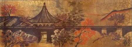 ECOLE JAPONAISE (XXe siècle) Le temple aux érables Panneau de bois laqué Porte une inscription
