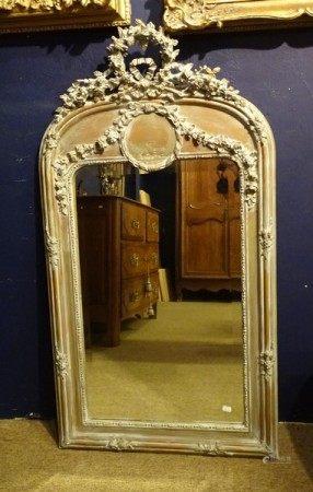 Meuble: Miroir en bois patiné NAPIII 2e moitié 19eS glace biseautée H: 127cm -