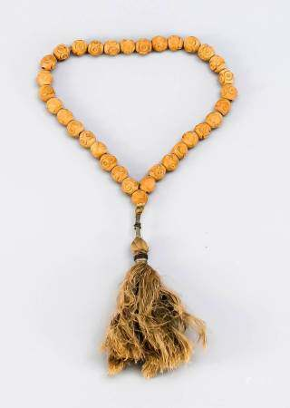 Prayer chain (tesbih), sandalwood, 1. H. 20th century, wooden beads with geometric